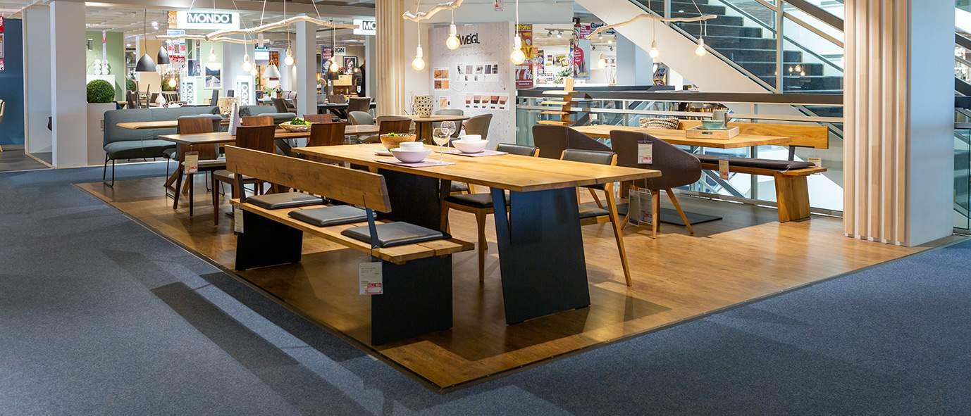 Wimmer Wohnkollektionen: Ausstellung Möbel Inhofer - Kollektion ZWEIGL