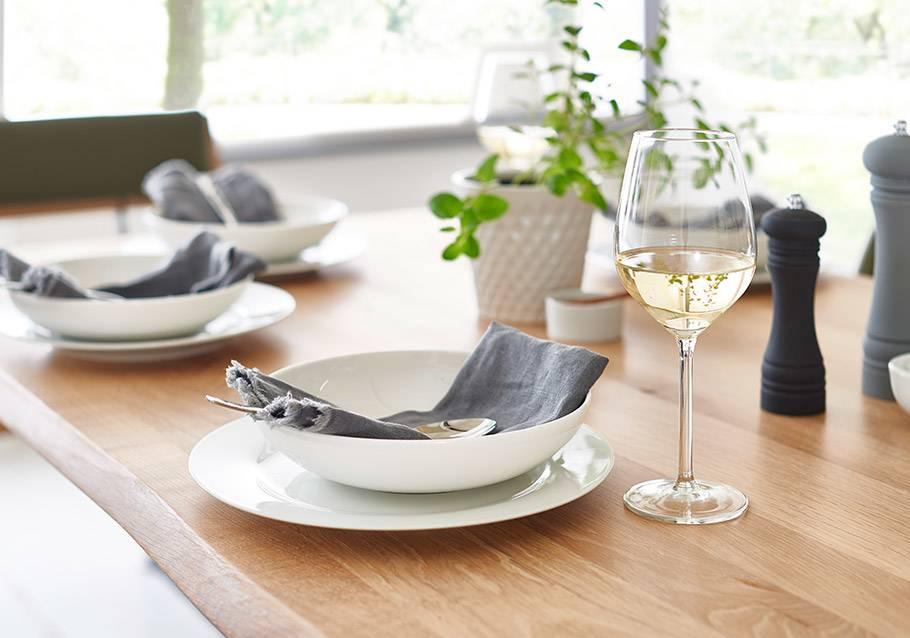Wimmer Wohnkollektionen - Holztisch - Dekorieren