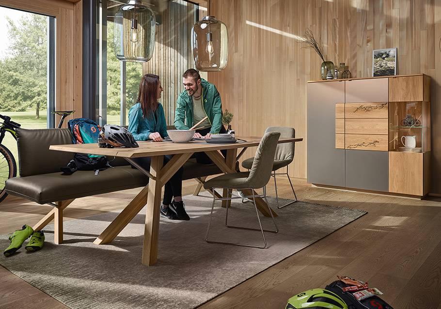 Wimmer Wohnkollektionen - Holztisch aus rustikaler Ast-Eiche bianco, Kollektion SIGNATURA