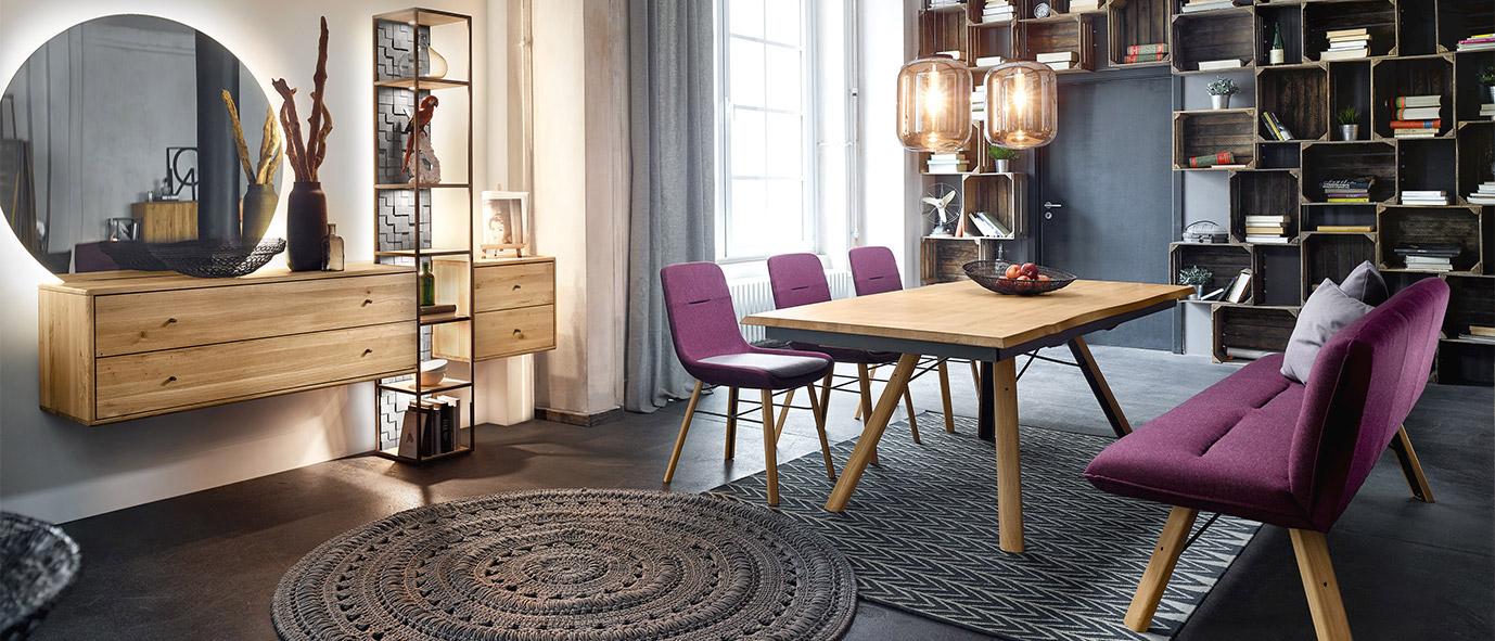 Teppiche eignen sich besonders gut, um einen Raum zu strukturieren - Kollektion Vencer, rustikale Ast-Eiche Bianco.