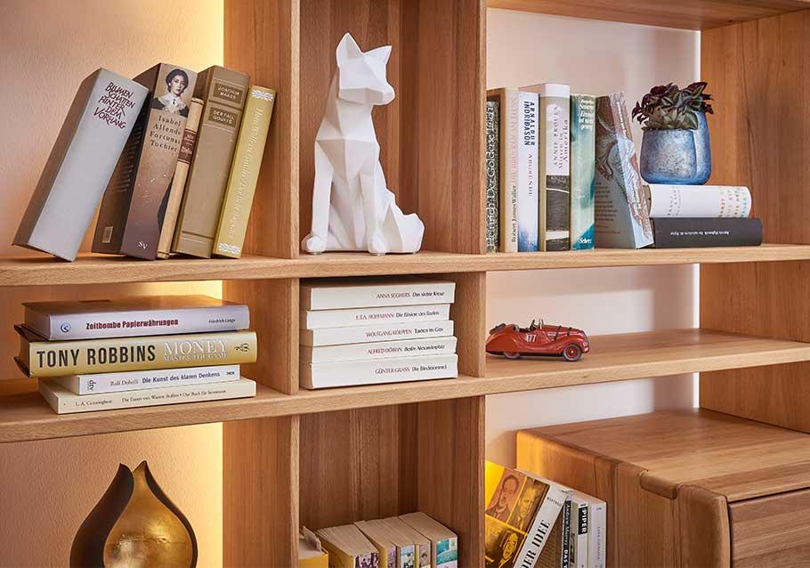Wimmer Wohnkollektionen: Einrichtungstrends 2019 - Easy living - Regalwand Kollektion NYON