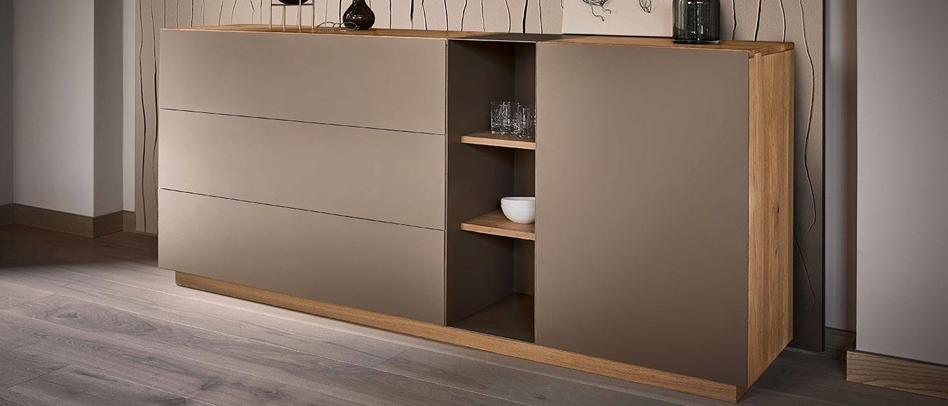 Esszimmermöbel aus Massivholz