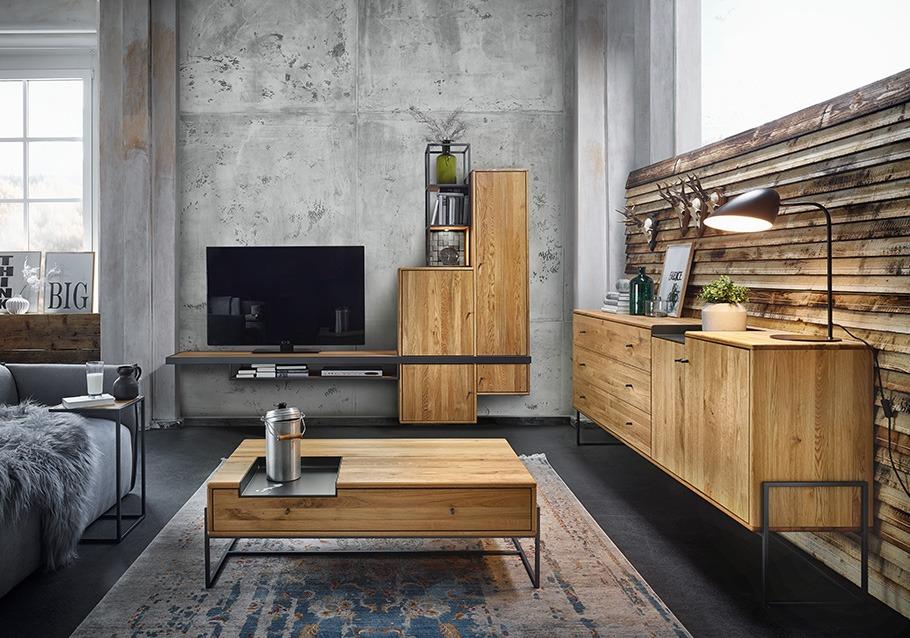 Massivholz und Beton - tolle Kombination fürs Wohnzimmer aus unserer Kollektion VENCER, rustikale Ast-Eiche bianco