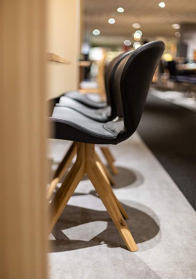 Platznehmen und Wohlfühlen - unser Stuhl ZS150 aus der Kollektion ZWEIGL.