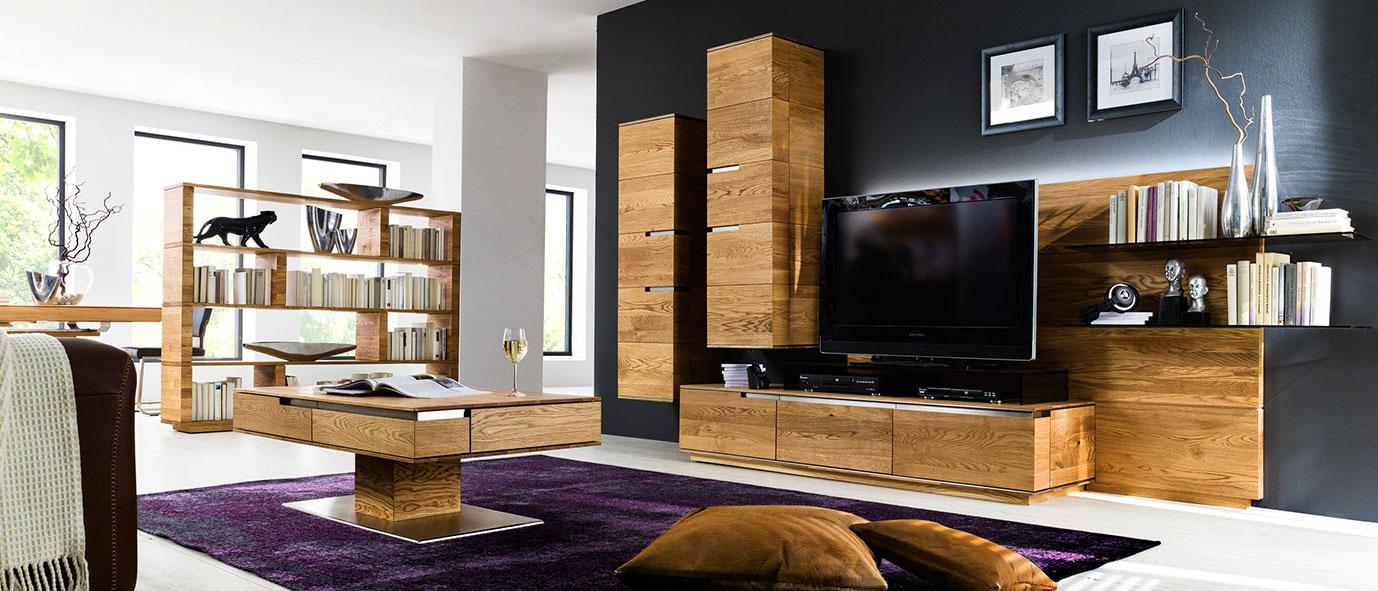 Wimmer Wohnkollektionen: Einrichtungstrends 2019 - Healthy living,  Wohnwand aus Massivholz