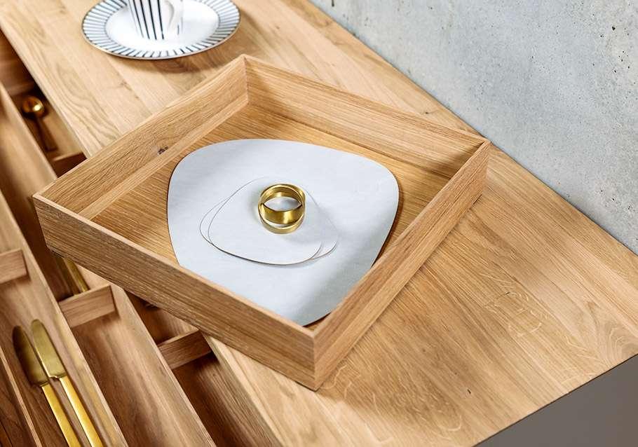 Wimmer Wohnkollektionen: Passendes Zubehör zum Besteckeinsatz aus Massivholz