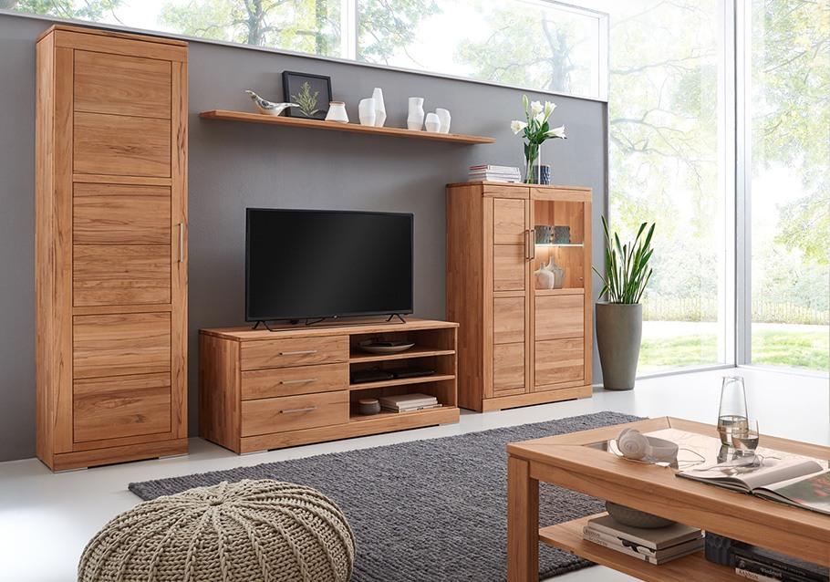 Landhausstil für Ihr Wohnzimmer, Schrankkombination aus unserer Kollektion CASERA , Rotkernbuche